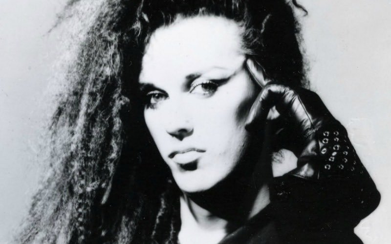 Pete Burns 800×500